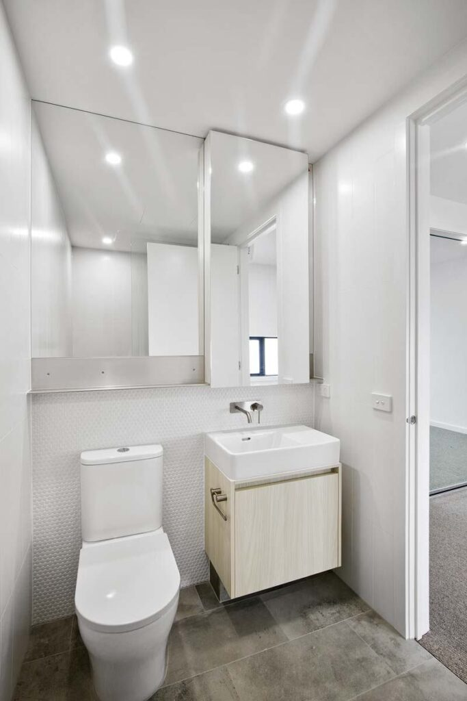 mjs 55 glen iris rd glen iris th3 bathroom 09